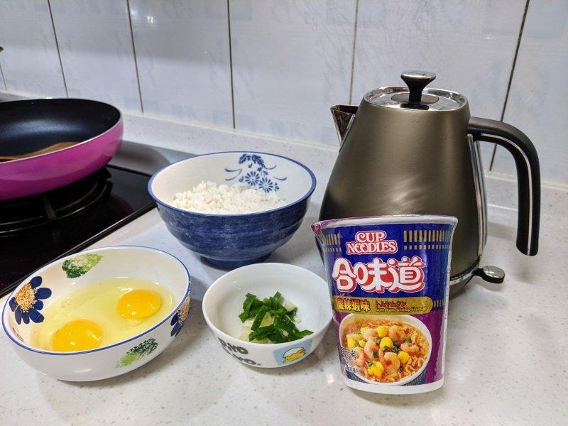 杯麵炒飯.超簡單新手十分鐘料理