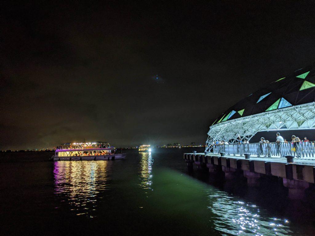 大鵬灣海上餐廳
