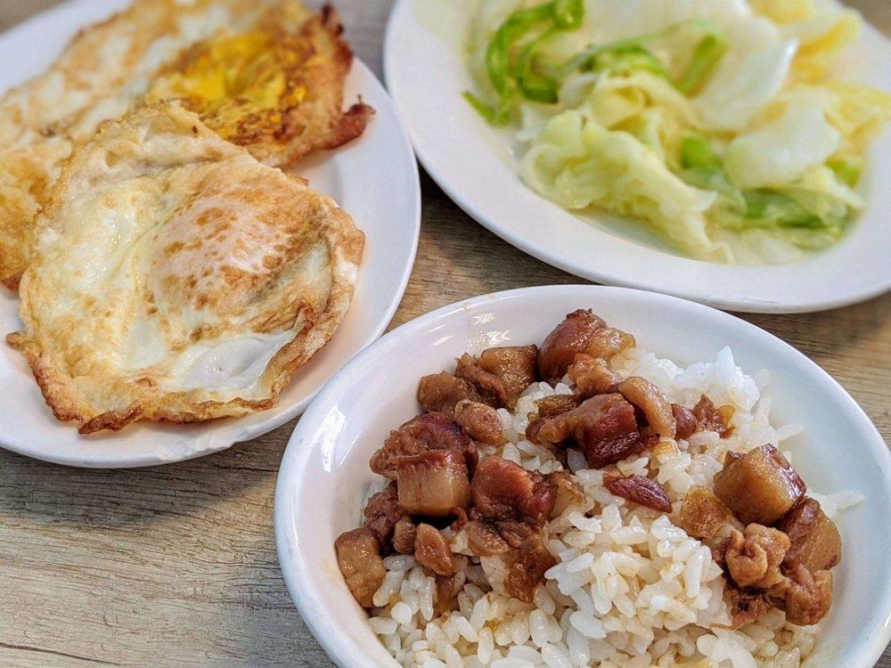 七海魚皮東門店 肉燥飯 (1)