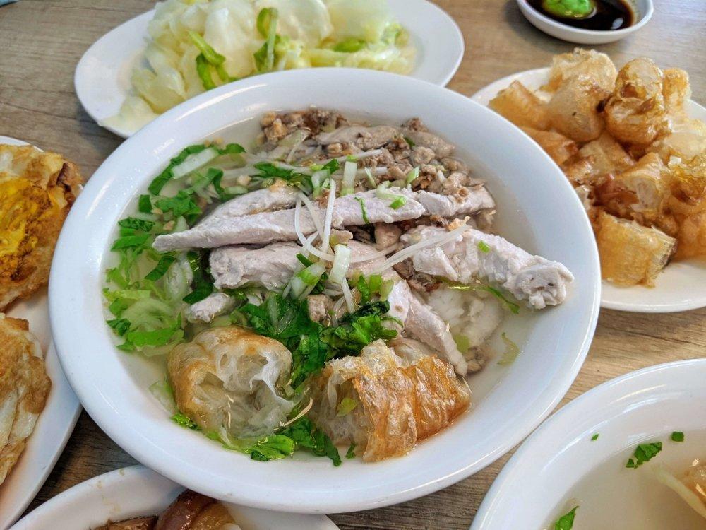 七海魚皮東門店 魚肉粥 (2)