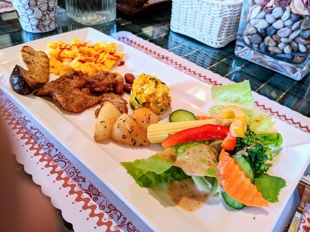 台東候鳥飛行民宿早餐主菜