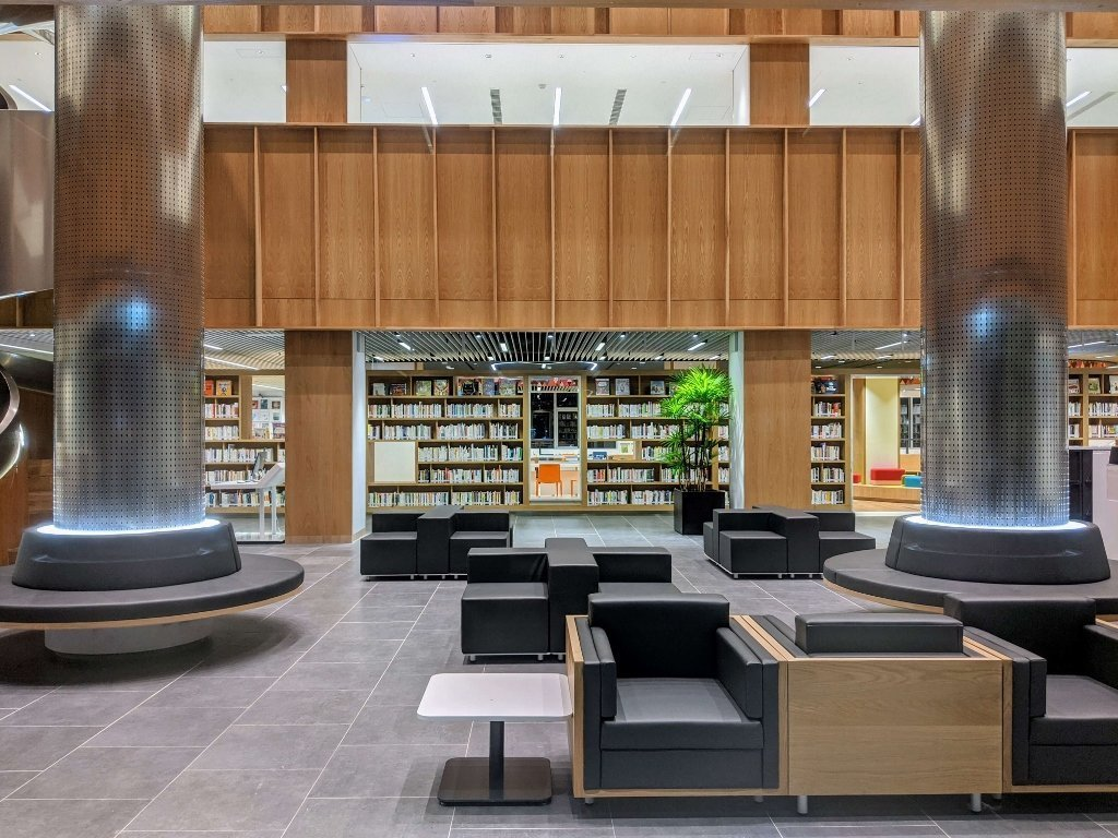 屏東總圖 大廳閱覽區
