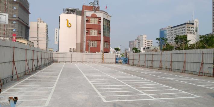 河樂廣場機車停車場