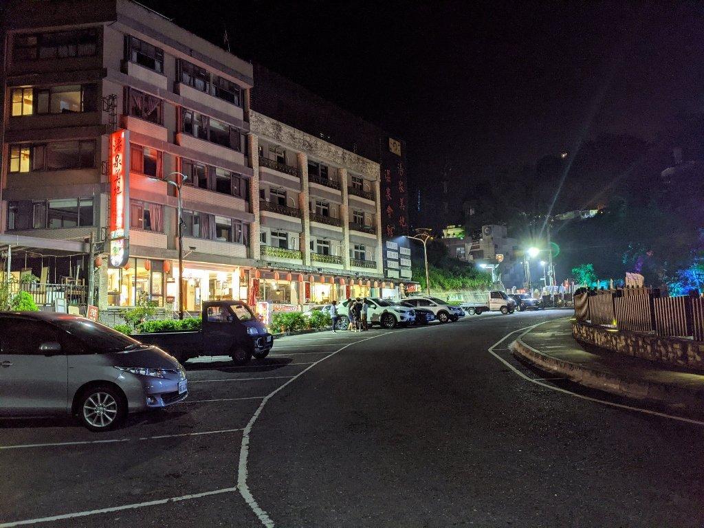 關子嶺警光山莊旁停車場