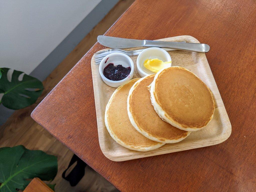【屏東早午餐】南國小島|大口咬潛艇堡感受悠閒食光