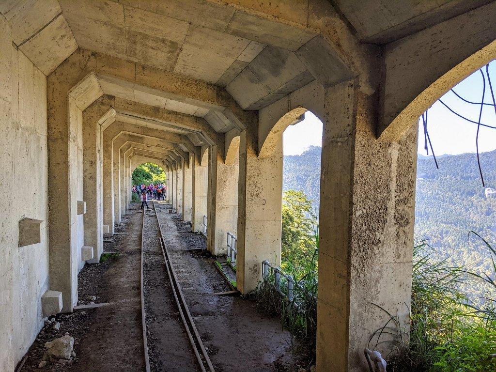 眠月線明隧道山景