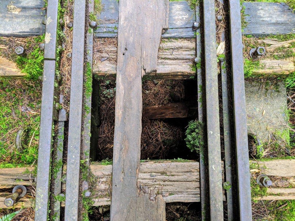 眠月線脆弱的木板
