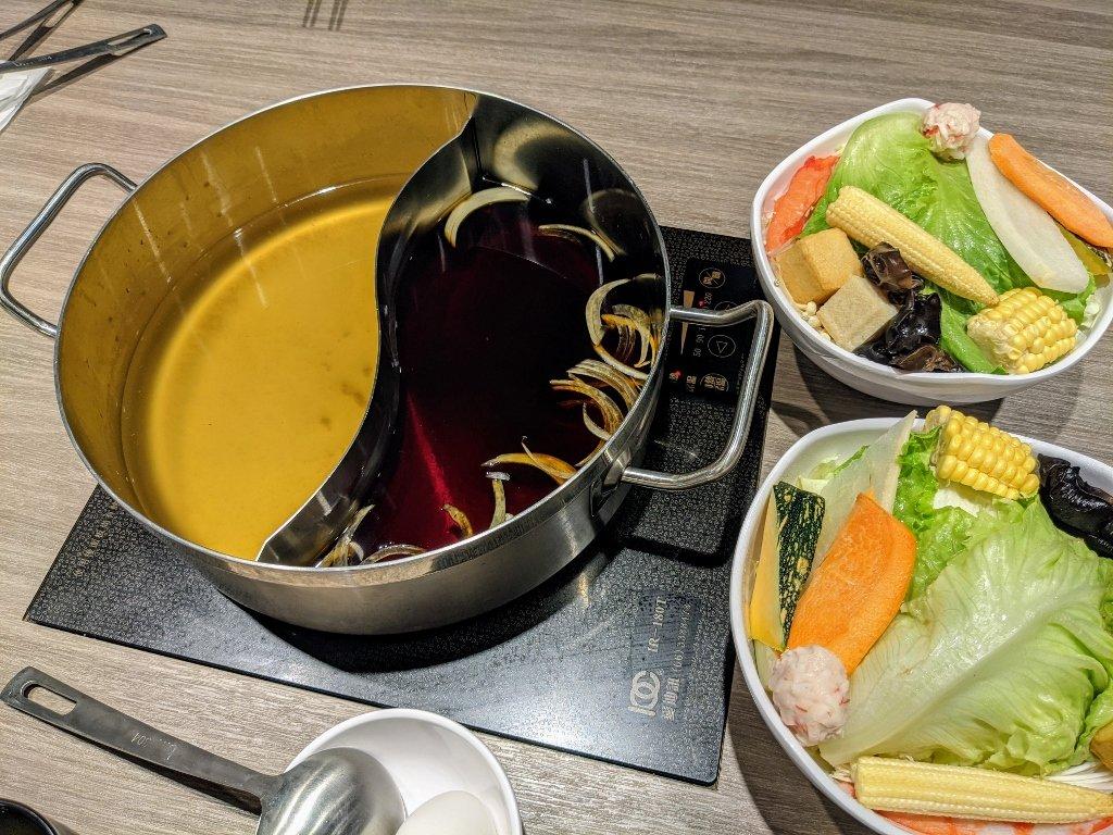 秋風軒MINI 屏東環球店 武士壽喜及日式柴魚鴛鴦鍋