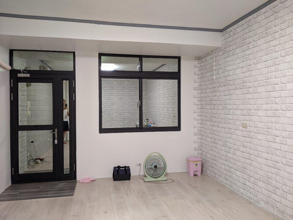 COSTCO 韓國高擬真水貼自黏壁紙 客廳完工照 (3)
