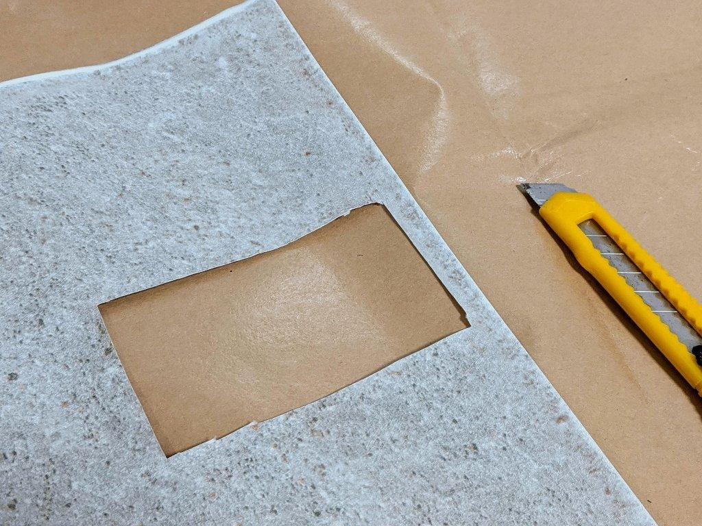 COSTCO 韓國高擬真水貼自黏壁紙 挖出插座孔