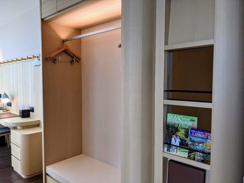 傑仕堡商旅板橋館 樂逸客房雙人房衣櫃