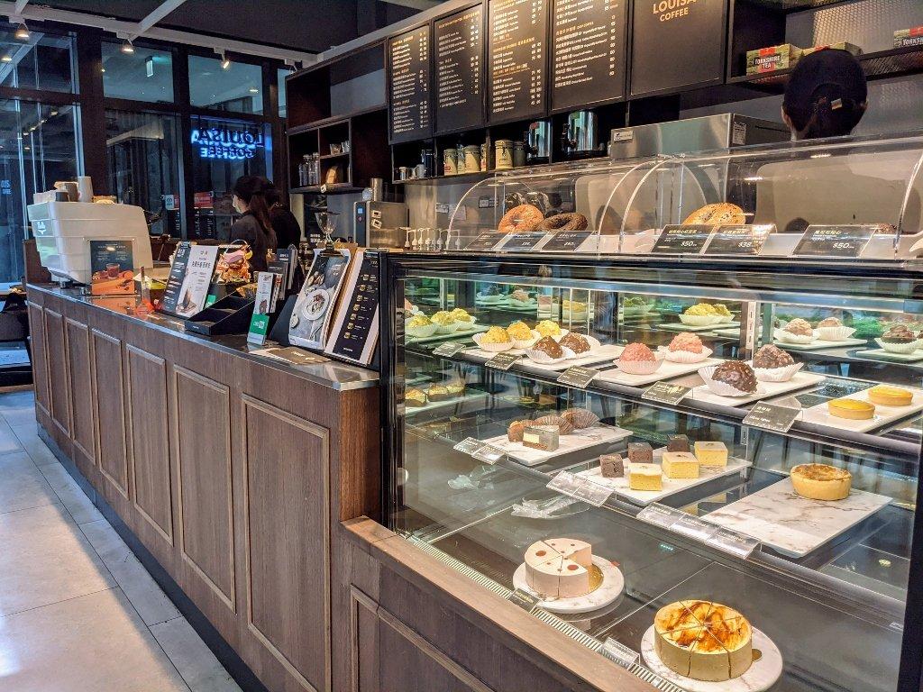 傑仕堡商旅板橋館 路易莎咖啡故櫃台
