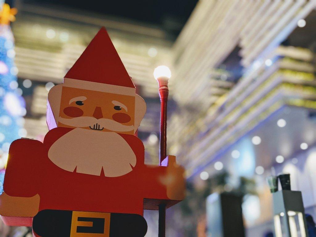 南紡二館 拿燈的聖誕老人