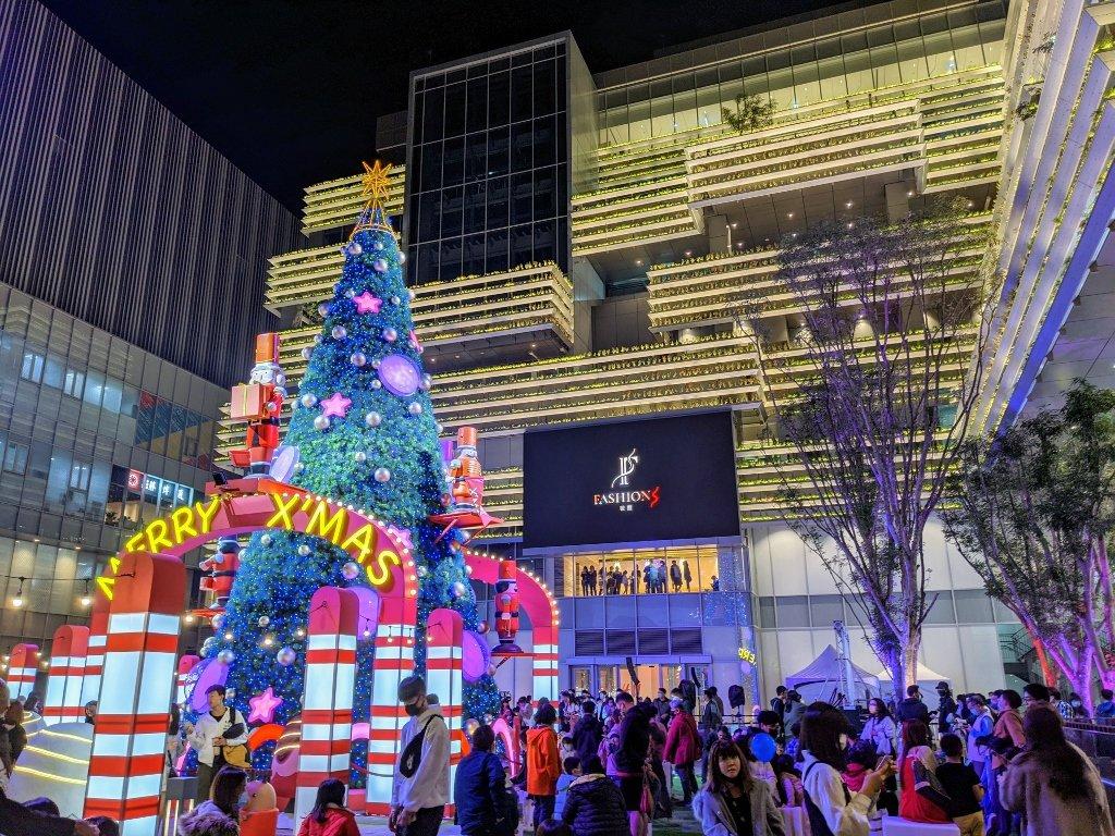 南紡二館 熱鬧的聖誕廣場