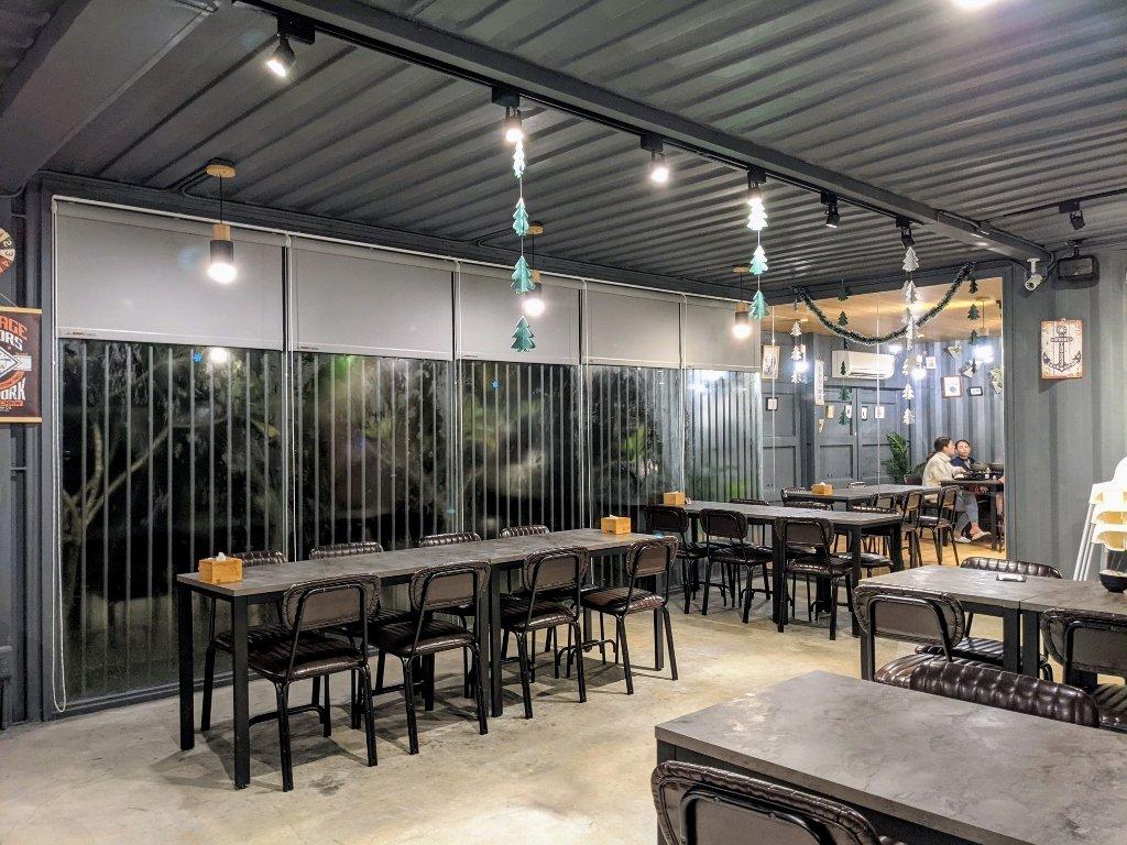 龜丹六二餐廳內座位區 (2