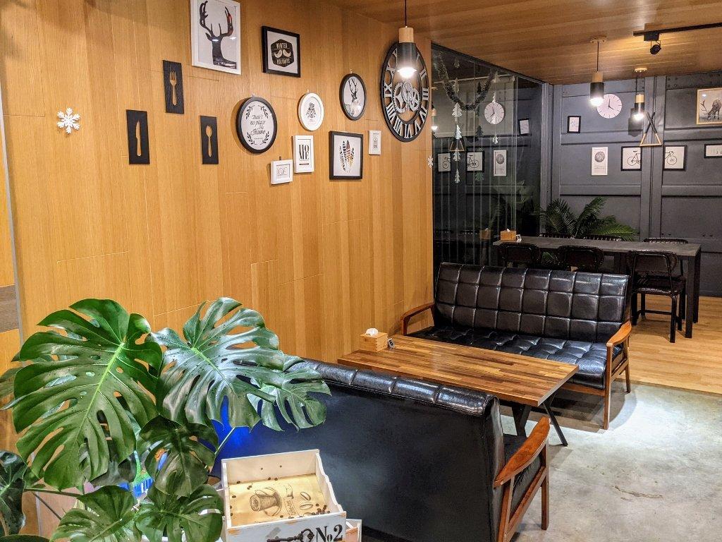 龜丹六二餐廳座位區