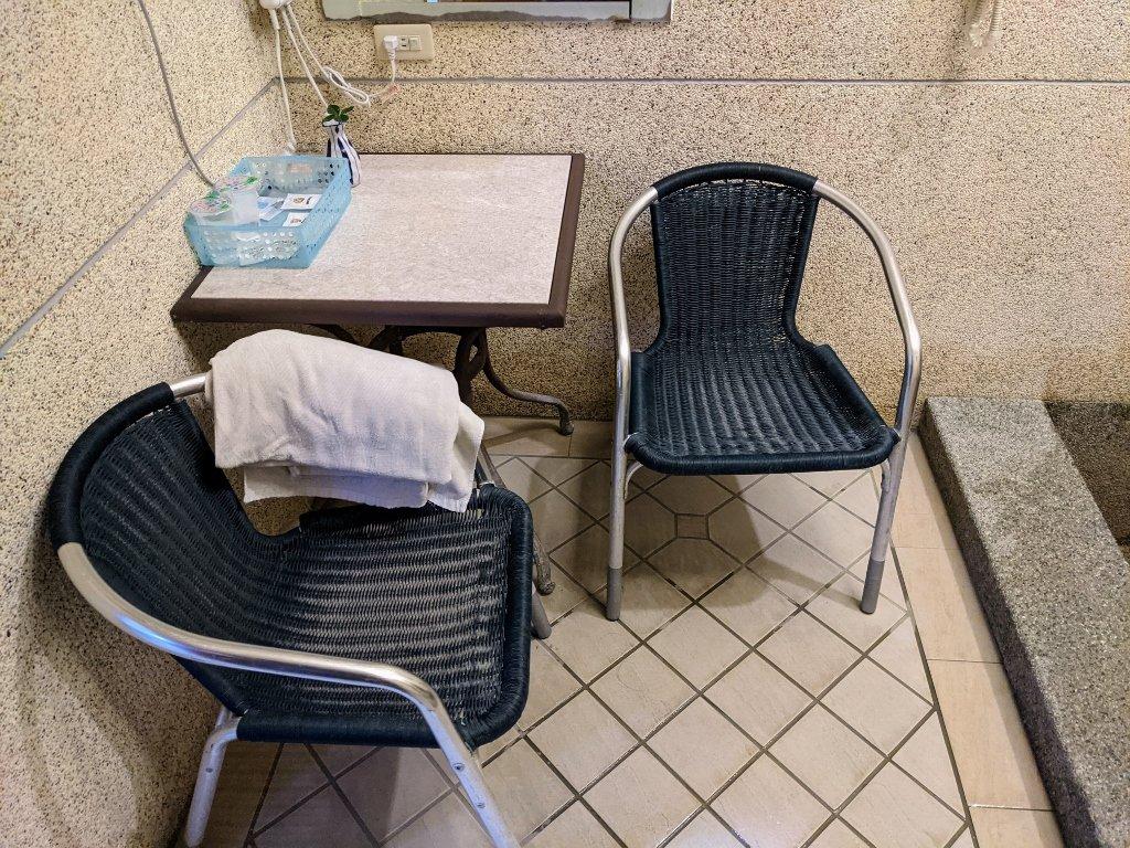 六重溪千霞園 湯屋椅子