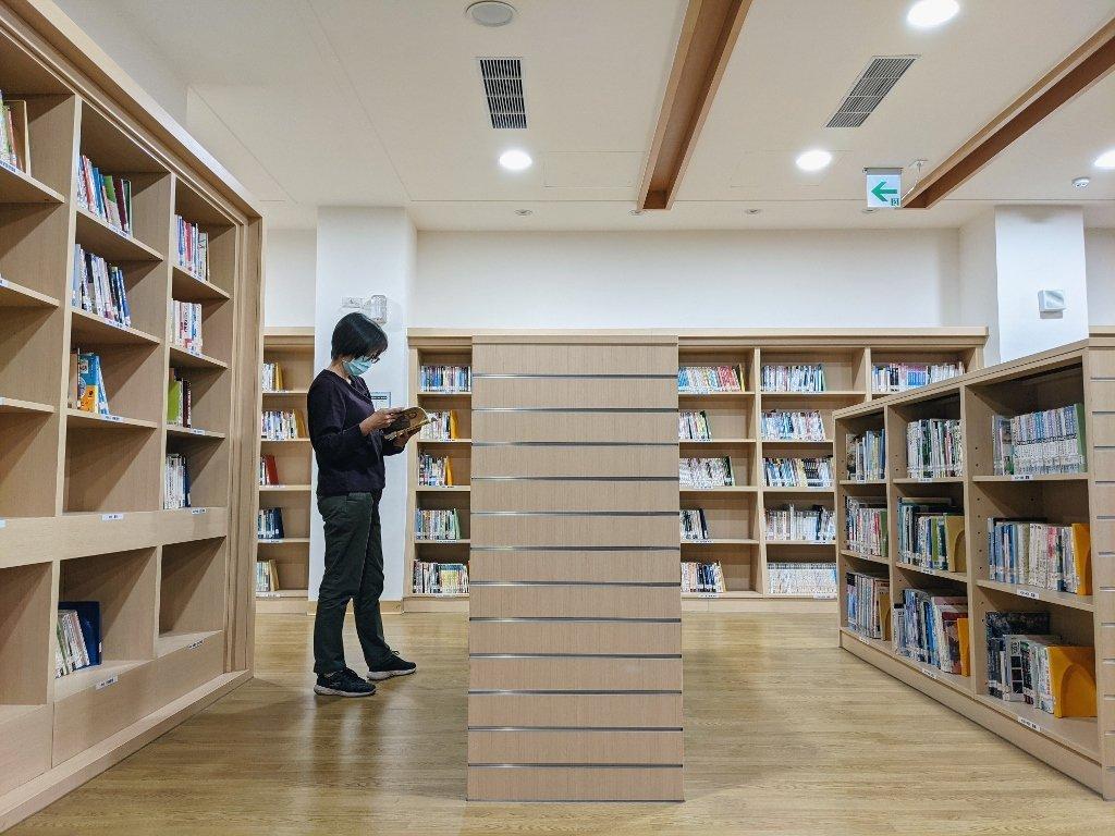 屏東復興圖書館 圖書區 (2)