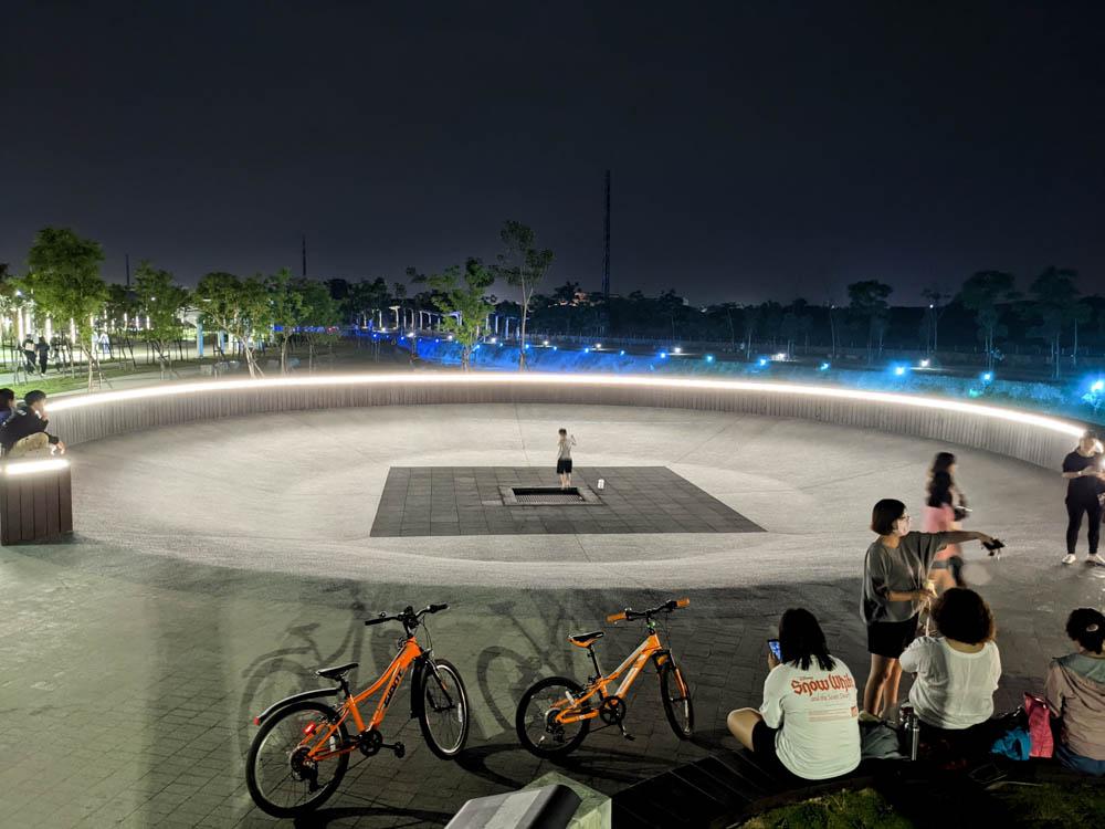 屏東縣民公園 雙園遊憩 彈簧床