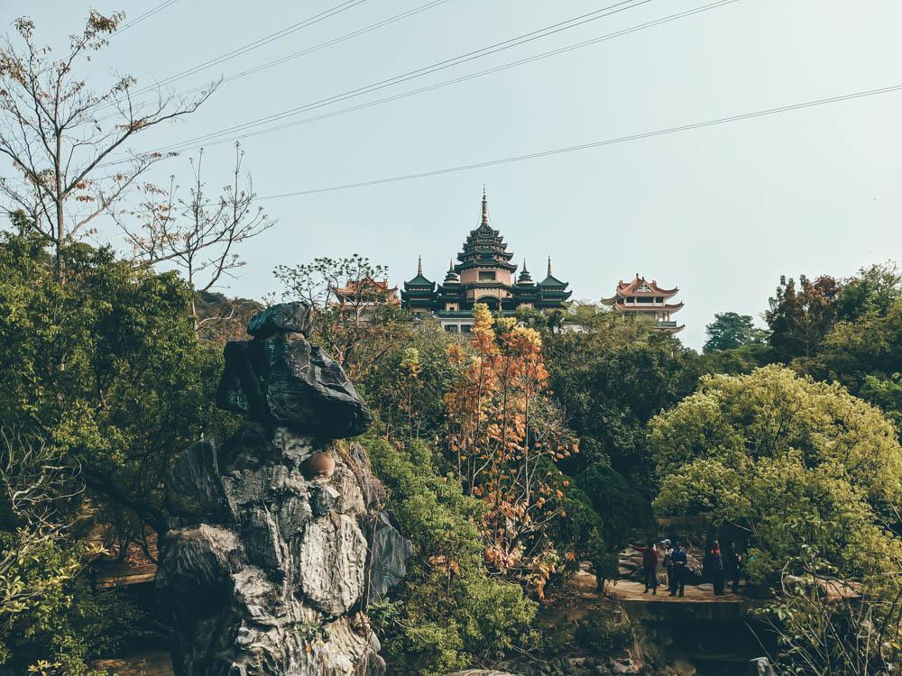 遠眺佛寺 (2)